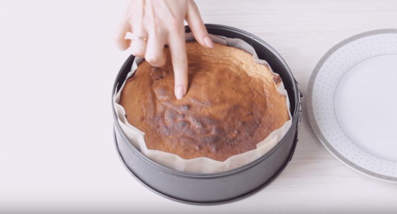 Убедитесь в готовности бисквита