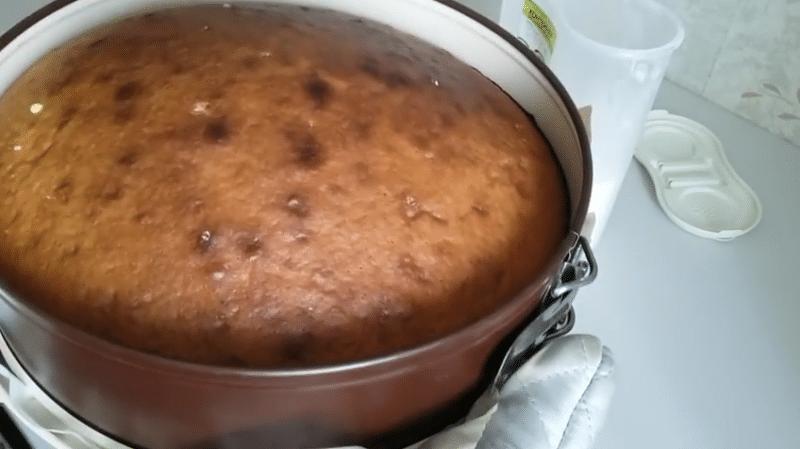 Пышный бисквит для торта на кефире