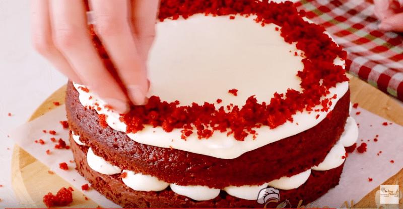 Торт Красный Бархат: оригинальный классический рецепт, от Энди Шефа, бабушки Эммы, Александра Селезнева, простой: отзывы, фото. Как приготовить крем для торта Красный Бархат и украсить торт?