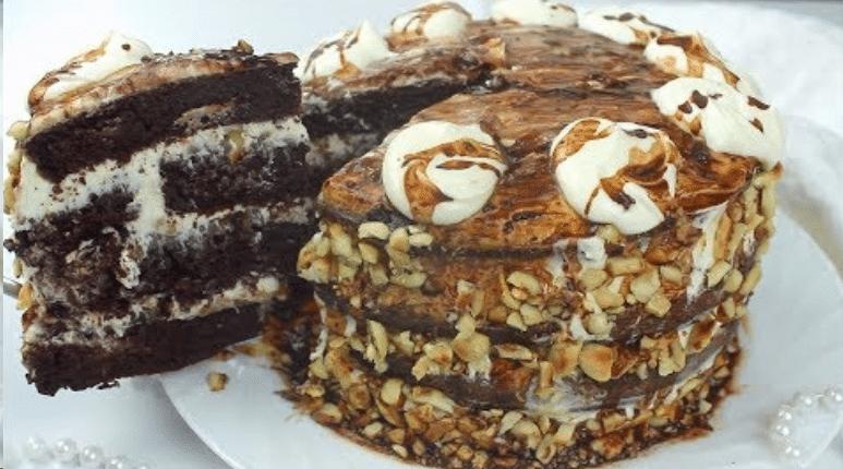 Веганский торт сникерс