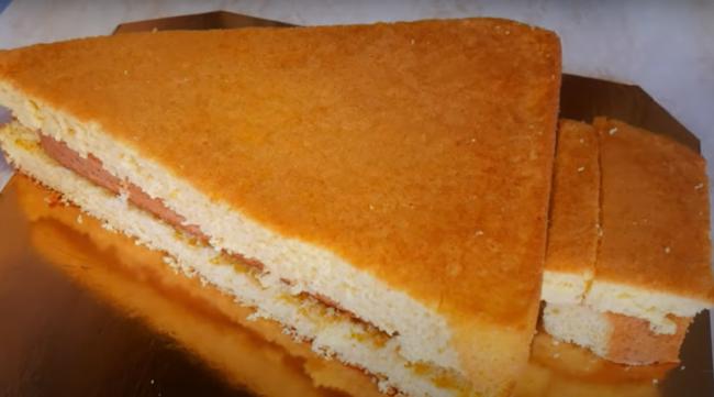 Разрезаем бисквиты
