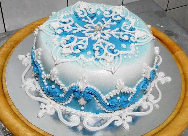 Торт с ледяными узорами
