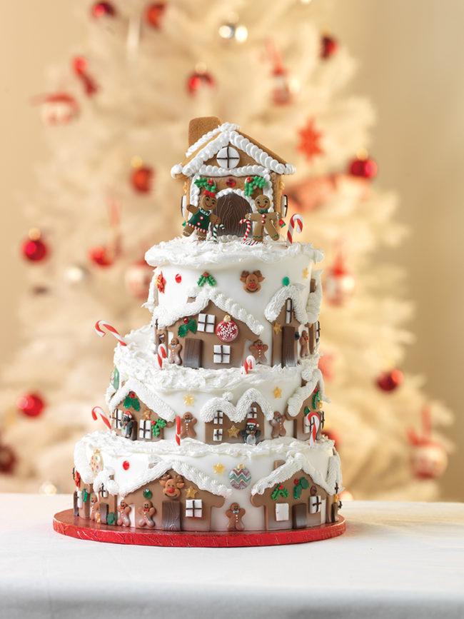 Многоярусный новогодний торт