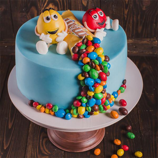 Торт с необычным украением